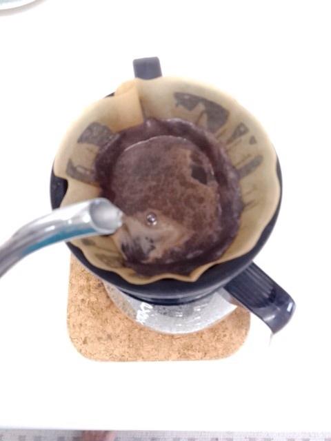 コーヒーはドリップでたててます♪